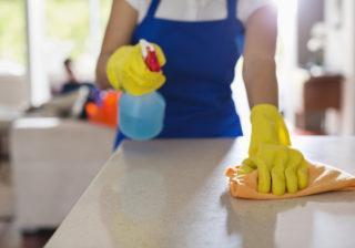 уборка и полировка поверхностей