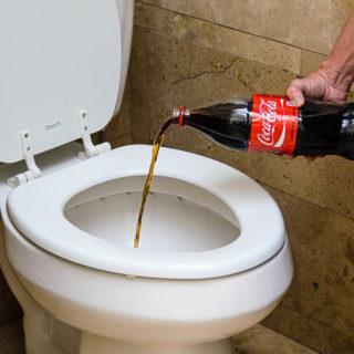 Как почистить унитаз от мочевого камня внутри где стоит вода