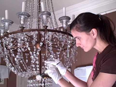 Средство для чистки хрустальных люстр: правила использования