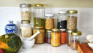 Как избавиться от жуков на кухне