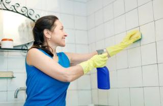 Как отмыть кафель от краски и белых пятен после ремонта, выбор средства