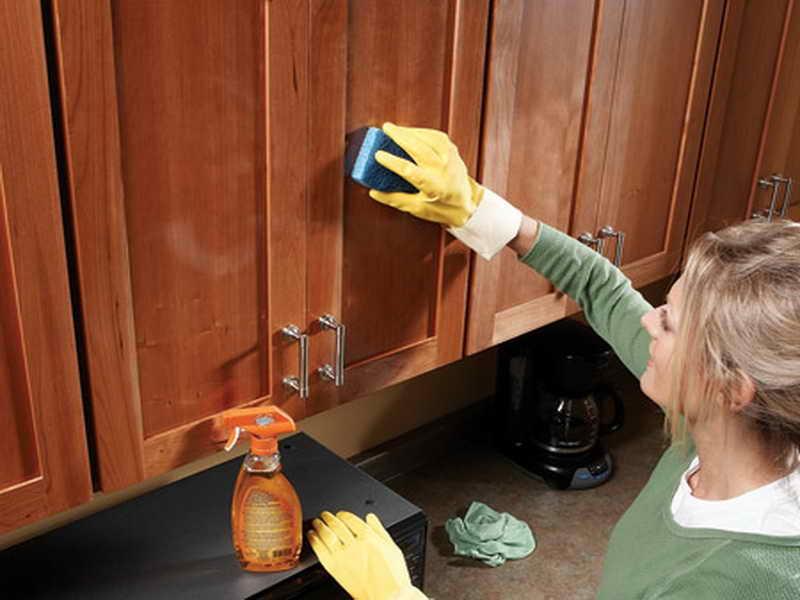 Как удалить пятна от масла с двери фото