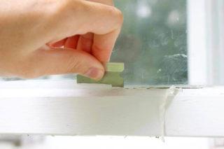 Чем очистить стекло от краски