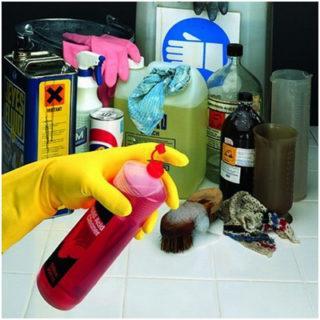 Для полноценной уборки вся необходимая бытовая химия должна быть в наличии