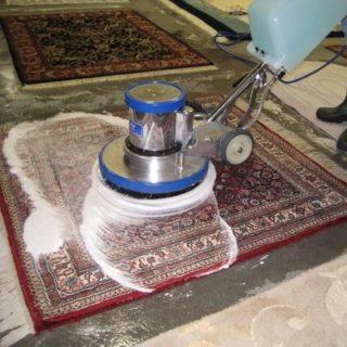 На появление запаха оказывают влияние как моющее средство, не правильная мойка и условия сушки, так и качество самого ковра
