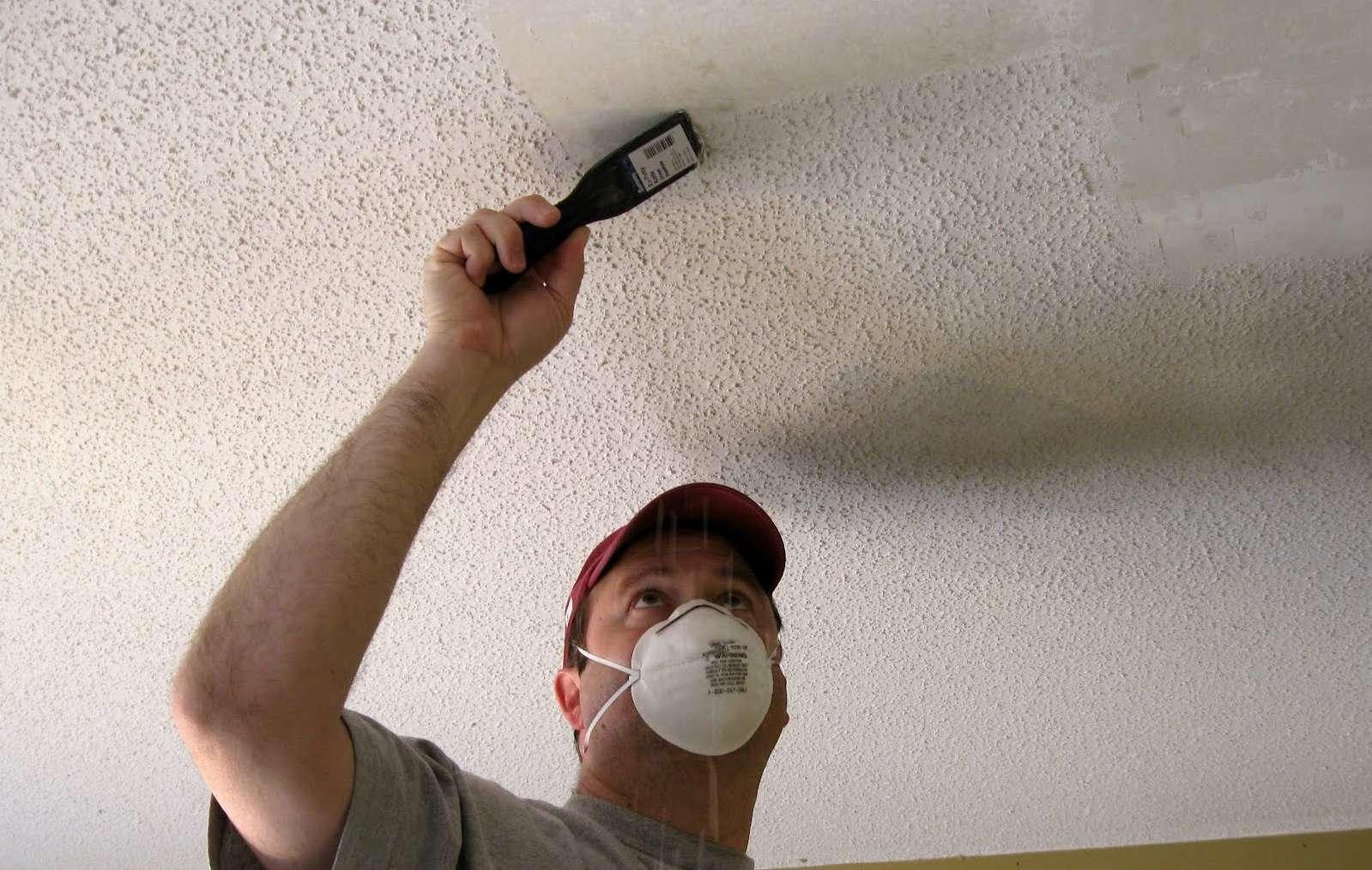 Как смыть побелку с потолка: способы снятия своими руками