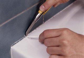 Чтобы убрать силиконовый герметик, его вначале необходимо размягчить химическими средствами