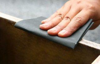 Шлифовку лакового покрытия используют наждачную бумагу зернистостью от 400 до 1200