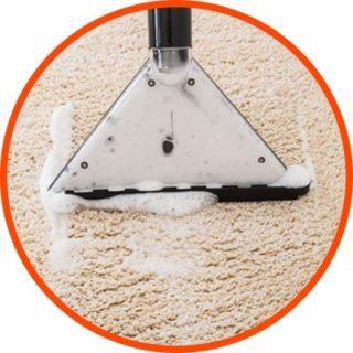 Пылесос идеально подойдет для сбора остатков мыла с ковра
