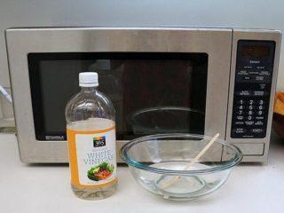 Как почистить микроволновку содой