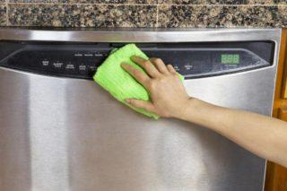 Как использовать средство для чистки посудомоечной машины от накипи и жира